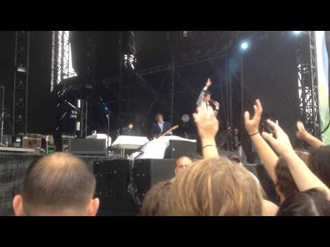 Arctic Monkeys: Pretty Visitors front row Music Midtown 2013 HD