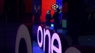 "Baixar Backstage view: Emma Bunton at The One Show performing ""Baby Please Don't Stop"""