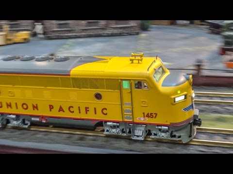 AWESOME model train display in HUGE 1/22.5 scale!