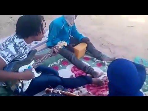 Group énmara, Agadez, Niger. (tuareg guitar)