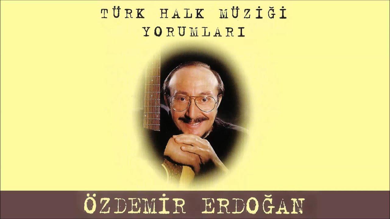 ozdemir-erdogan-evlerinin-onu-mersin-ozdemir-erdogan-muzik