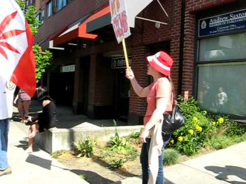 Free Marc Emery protest in North Vancouver