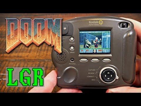 Questo ragazzo ha installato Doom su una Kodak del 1998