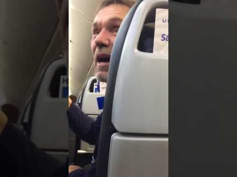 Racist Passenger Gets Kicked Off United Flight