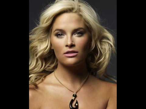 America's Next Top Model- Whitney Thompson (Slideshow)