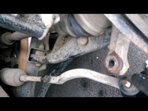 Замена рулевого наконечника на  Рено Логан