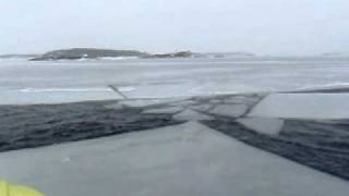 Kör isflaket mot fast is.avi