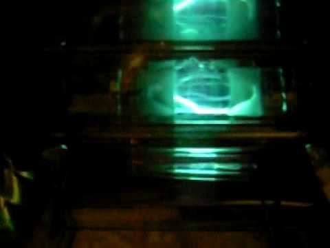 green metal halide lamp - ignition and warming up.MOV