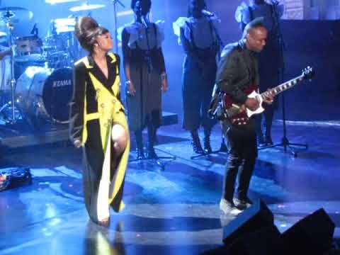 """2018 Rock & Roll Hall of Fame Complete Nina Simone tribute: Andra Day """"I Put A Spell On You"""""""