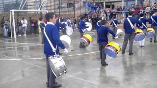 Banda marcial colegio juana Escobar himno de bogot