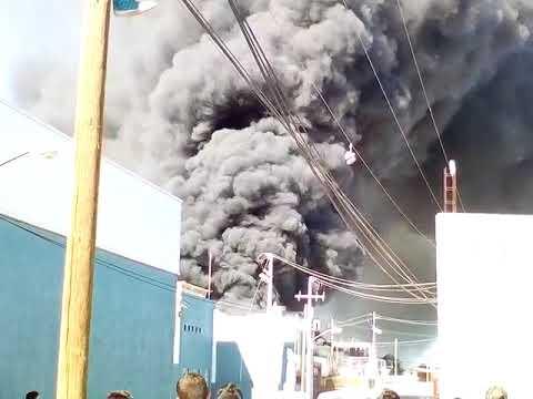 Incendio en una fábrica hulera de lagos de Moreno Jalisco