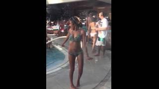Las Vegas Birthday Champagne Shower @ Liquid Pool