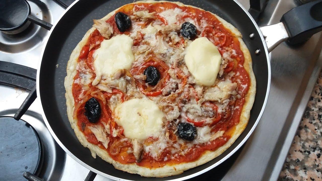البيتزا السائلة في المقلاة 💕ألذ وأسرع بيتزا بدون عجن أو دلك وبدون فرن😉 كتوجد فدقائق