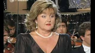 Edita Gruberova - La sonnambula - Ah, non credea...Ah! Non giunge