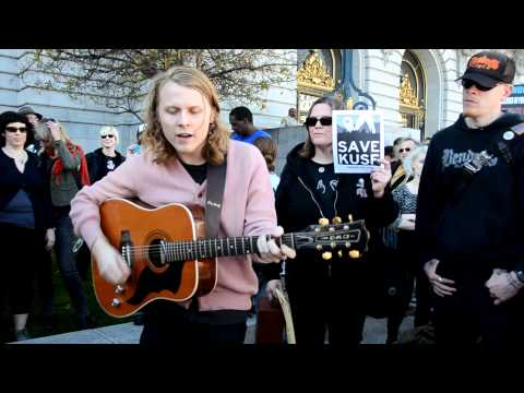 Ty Segall talks about KUSF & plays a new song at Save KUSF rally at San Francisco City Hall