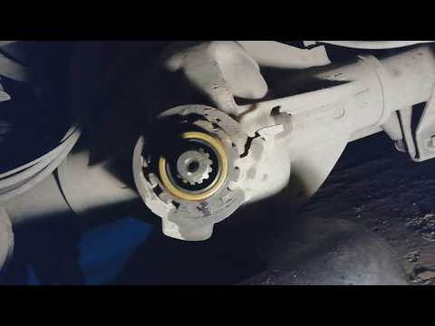Mercedes-benz 814. Замена сальника редуктора