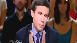Marine Le Pen - Magnifique quenelle à Pujadas. [Oui, Oui! Monsieur Sarkozy!].