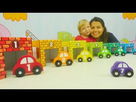 Okul öncesi için oyuncak arabalar ile renkler ve sayılar