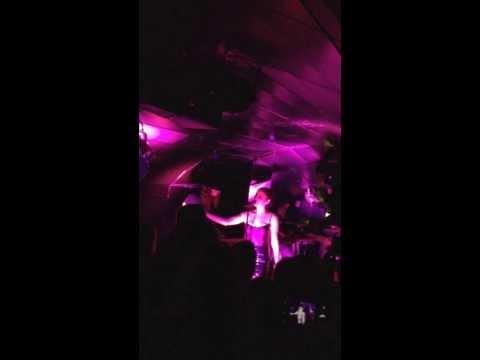BANKS performing at FIRST EVER headlining gig!! (Singer)