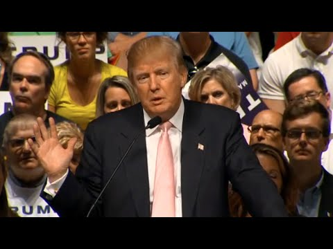 Donald Trump Slams Scott Walker at Iowa Presidential Campaign Rally