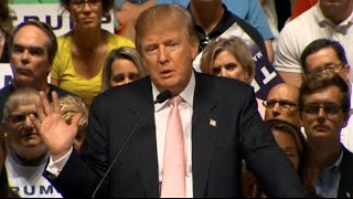 Donald Trump Slams Scott Walker at Iowa Presidential Campaign Rally