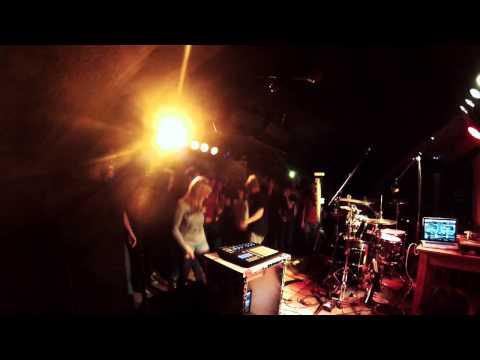 Death Mariachis - Wie heißt der Song? - 19. Magdeburger-Allee-Fest - Erfurt 2012 von YouTube · Dauer:  2 Minuten 26 Sekunden