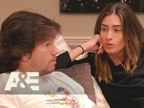 Wahlburgers: Wahlburgers: Rhea's Requests for Mark Season 3, Episode 7  A&E