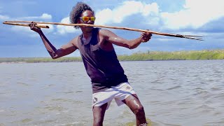 'Night Spear'. Aboriginal Hunting & Spearfishing in Remote Australia - FISHING THE WILD NT - Ep2