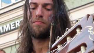 Estas Tonne - The Song of the Golden Dragon(Album to buy on http://estastonne.bandcamp.com/ Tour Dates on his website http://estastonne.com/TOUR_DATES_2013.html Der Auftritt des russischen ..., 2012-02-29T14:23:25.000Z)