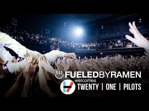 twenty one pilots: Signing To Fueled By Ramen