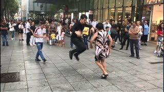 Download lagu Тбилиси Лезгинка 2019 Тетя И Девушка Танцуют По Кайфу На Улице Руставели ALISHKA