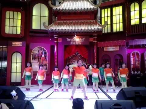 Anak Terang school dance