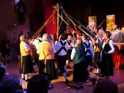 Trigg Morris and Saffron Maids dance the Maypole (much betterly (sic))
