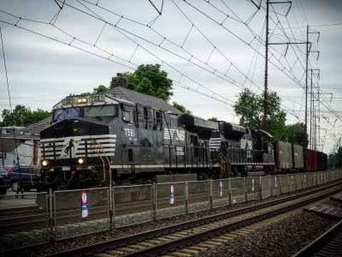 Freight Under the Wires: Northeast Corridor Action in Prospect Park, PA
