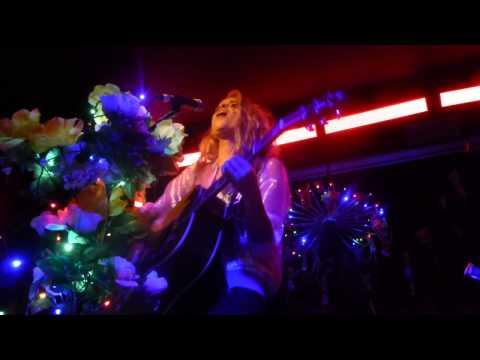 Kyla La Grange - Vampire Smile (HD) - Hoxton Bar & Kitchen - 28.01.14