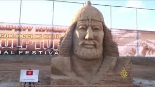 مهرجان ثقافي للنحت على الرمال بقرغيزستان