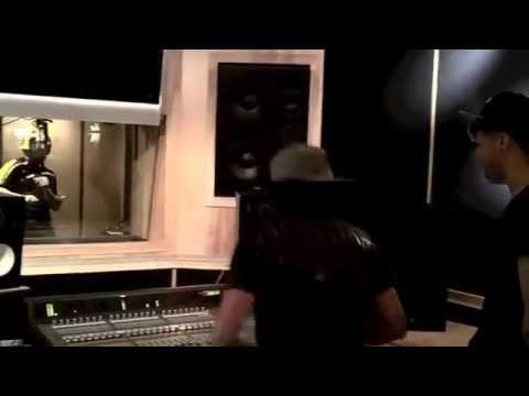 Farruko Ft. Daddy Yankee - Gatas, Bosinas Y Bajo (Preview)
