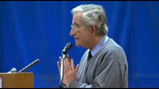 Noam Chomsky - Liberal vs. conservative media in the US