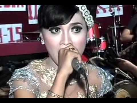 Vespa Rosok Areva Music Live Kayuapak