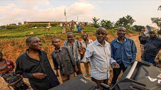 Aldeanos me pillan el dron. 1MILLON de seguidores!   Vuelta al Mundo en Moto   África #145 Thumb