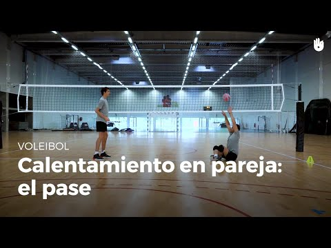 Calentamiento en pareja: el pase | Voleibol