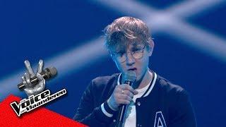 Louis covert mix van Adele en Kendrick Lamar   Liveshows   The Voice van Vlaanderen   VTM