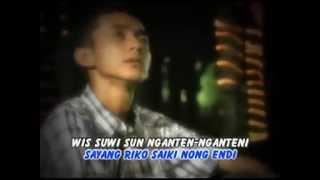 Banyuwangi folk songs ( Kangen Setengah Mati )