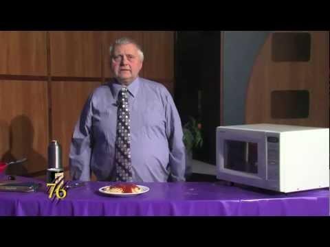Weber Cooks  Spaghetti w Chef Steven Reed  Video