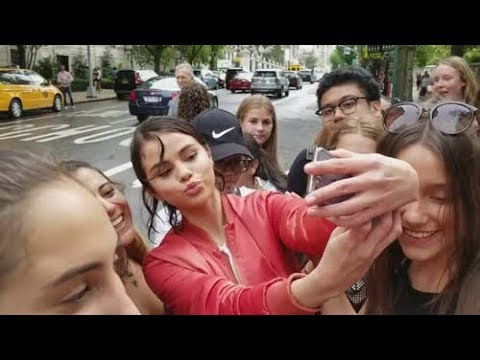 Selena Gomez Meeting Fans On Set Of Woody Allen's Movie In New York 9/20/2017