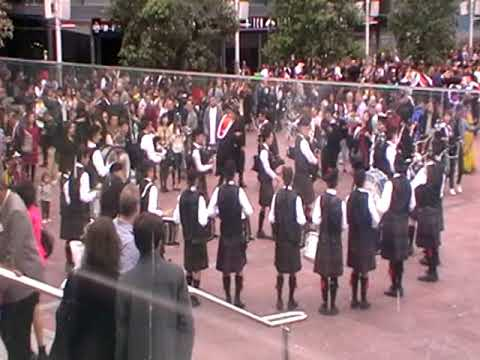 AGS Pipe Band at Auck Uni Capping Day parade Sept 2017