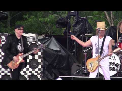 Cheap Trick - I Want You to Want Me (Wanee...