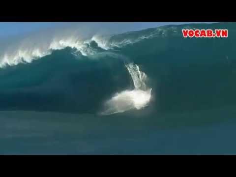 Clip - Kinh hãi con sóng cao 5m nuốt chửng vận động viên lướt ván