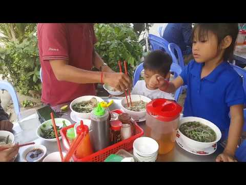 Asian Street Food - Breakfast At Takhmao - Pho - Popular Street Food