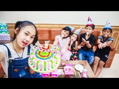 Kids Go To School | Day Birthday Of Chuns Children Make a Birthday Cake In Store With Friends
